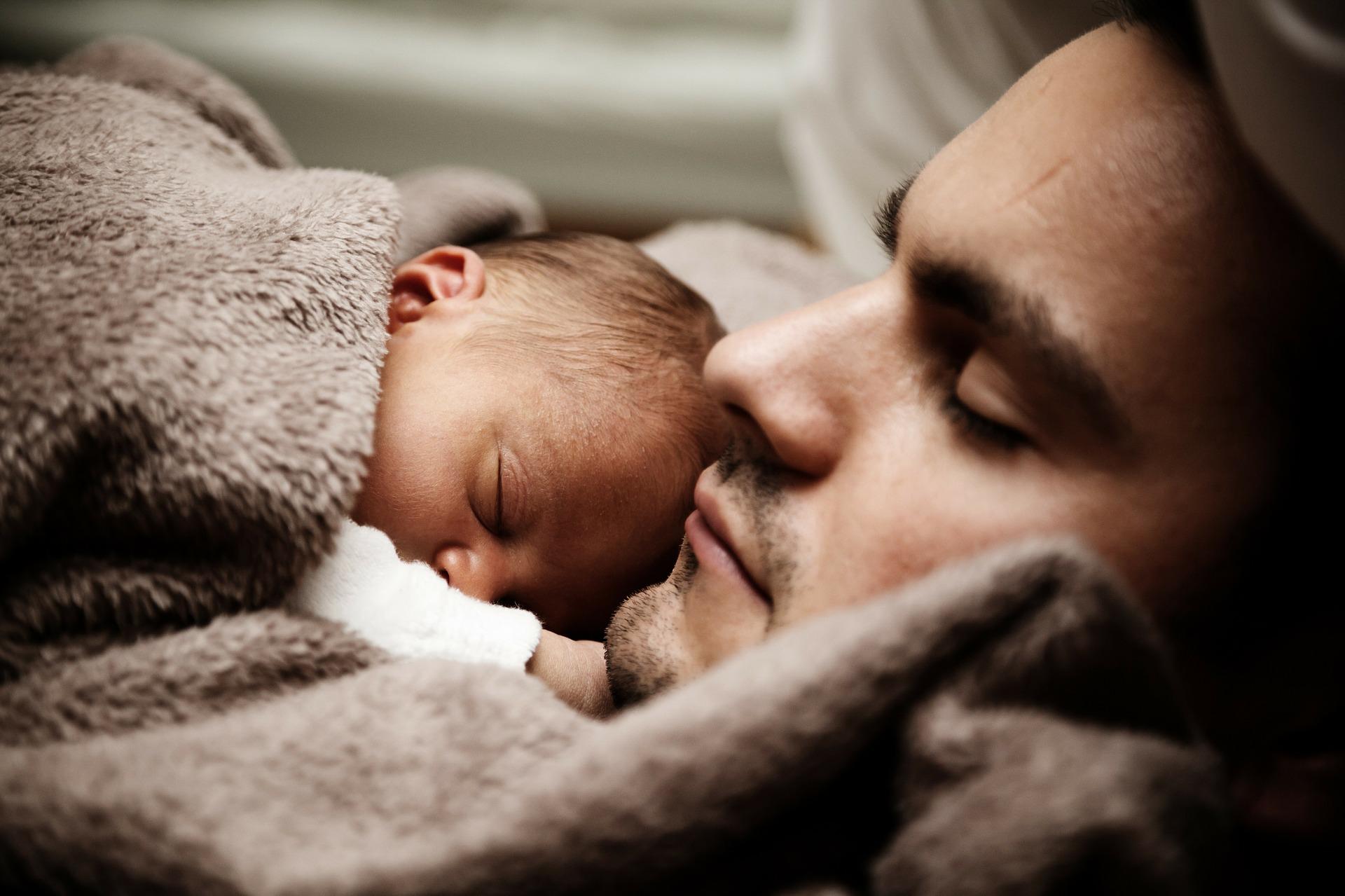 bebé con papá